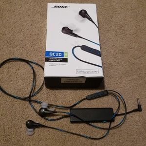 Bose Head Phones with original box and receipt